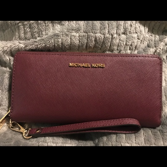 232406f7d1bc Michael Kors Bags | Zip Around Wallet | Poshmark